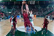 DESCRIZIONE : Avellino Lega A 2011-12 Sidigas Avellino Umana Venezia<br /> GIOCATORE : Szymon Szewczyk<br /> SQUADRA : Umana Venezia<br /> EVENTO : Campionato Lega A 2011-2012<br /> GARA : Sidigas Avellino Umana Venezia<br /> DATA : 15/01/2012<br /> CATEGORIA : rimbalzo in difesa<br /> SPORT : Pallacanestro<br /> AUTORE : Agenzia Ciamillo-Castoria/G.Buco<br /> Galleria : Lega Basket A 2011-2012<br /> Fotonotizia : Avellino Lega A 2011-12 Sidigas Avellino Umana Venezia<br /> Predefinita :