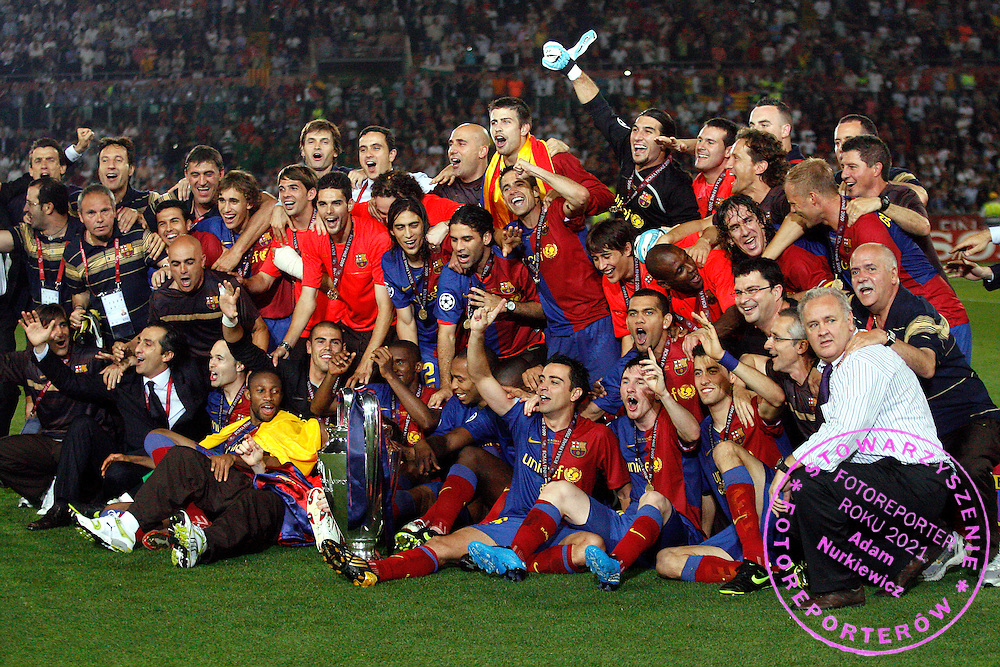ROME 27/05/2009.Uefa Champions League - Final.Manchester United v Fc Barcelona.Barcelona's players celebrate with the Champions League trophy ..Fot. Piotr Hawalej / WROFOTO