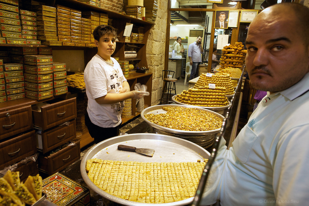 Syrian Pastries, Damascus. Patisseries Syriennes, Damas.