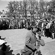 1999, Moscow - Cerimonia della deposizione dei fiori davanti al monumento del milite ignoro durante la celebrazione del 9 maggio