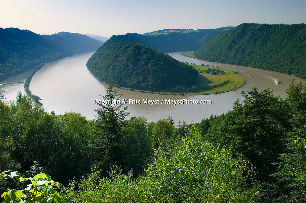 danube between mountains and - photo #12