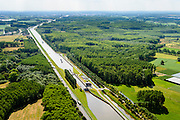 Nederland, Noord-Brabant, Gemeente Heeswijk-Dinther, 26-06-2014;  <br /> Zuid-Willemsvaart, Schutsluis Schijndel.<br /> luchtfoto (toeslag op standaard tarieven);<br /> aerial photo (additional fee required);<br /> copyright foto/photo Siebe Swart.