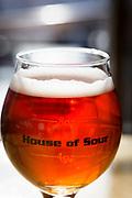 En sur&ouml;l p&aring; Cascade Brewings krog The Barrel House i Portland, Oregon. <br /> Foto: Christina Sj&ouml;gren