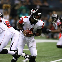 2007 October, 21: Falcons quarterback Byron Leftwich looks to handoff during a 22-16 win by the New Orleans Saints over the Atlanta Falcons at the Louisiana Superdome in New Orleans, LA.
