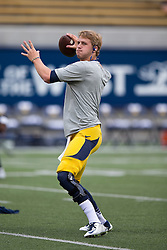 BERKELEY, CA - SEPTEMBER 12:  Quarterback Jared Goff #16 of the California Golden Bears warms up before the game against the San Diego State Aztecs at California Memorial Stadium on September 12, 2015 in Berkeley, California. The California Golden Bears defeated the San Diego State Aztecs 35-7. (Photo by Jason O. Watson/Getty Images) *** Local Caption *** Jared Goff