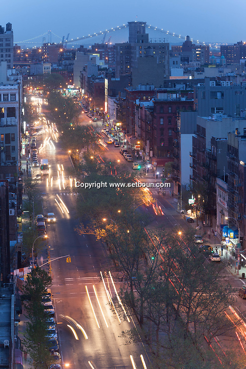 New York Elevated view on the  lower east side district and allen street.  Manhattan - United states   / Vue elevee sur le lower east side et allen street . Manhattan, New York - Etats-unis