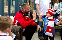 Aaron Wilbraham of Bristol City gives out presents duringBristol City's visit to the Children's Hospice South West at Charlton Farm - Mandatory by-line: Robbie Stephenson/JMP - 21/12/2016 - FOOTBALL - Children's Hospice South West - Bristol , England - Bristol City Children's Hospice Visit