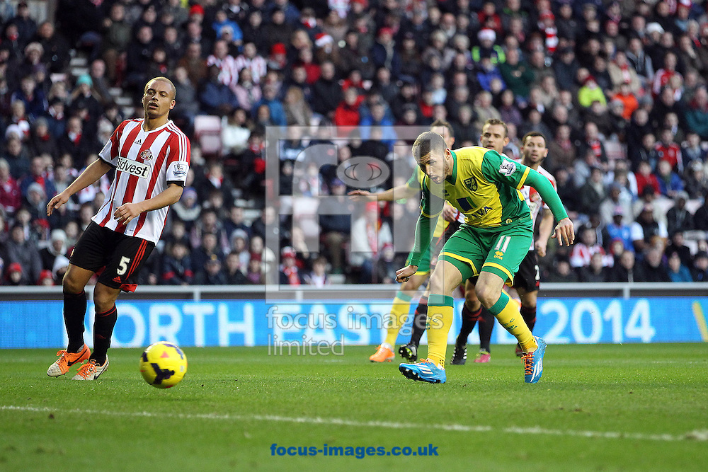 Picture by Paul Chesterton/Focus Images Ltd +44 7904 640267<br /> 21/12/2013<br /> Gary Hooper of Norwich misses a chance during the Barclays Premier League match at the Stadium Of Light, Sunderland.