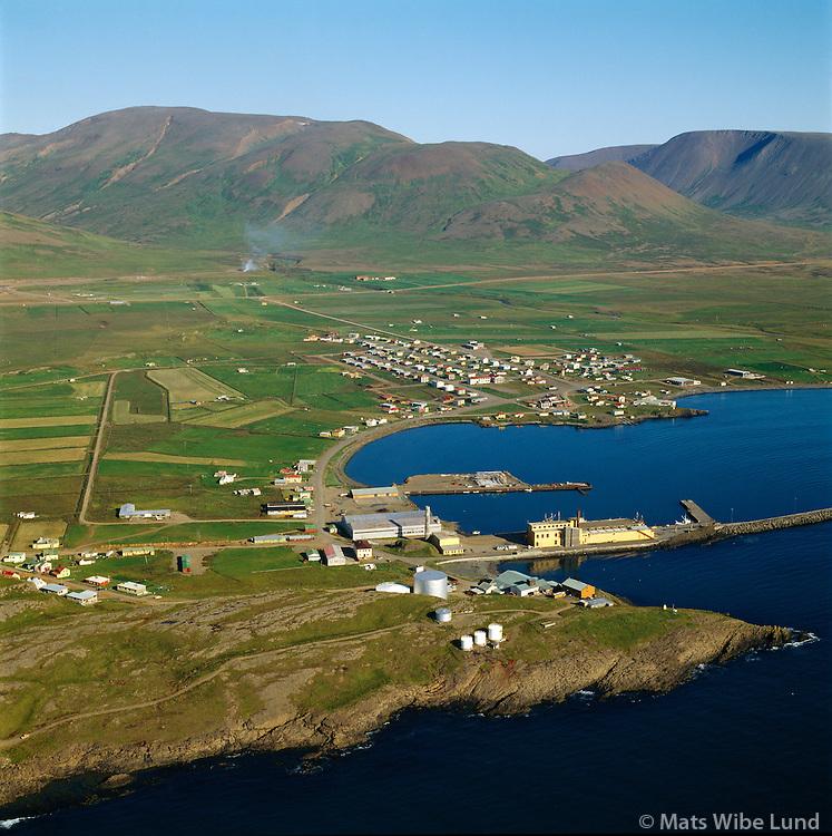 """Skagaströnd """"Höfðakaupstaður"""" séð til austurs / Skagastrond viewing east"""