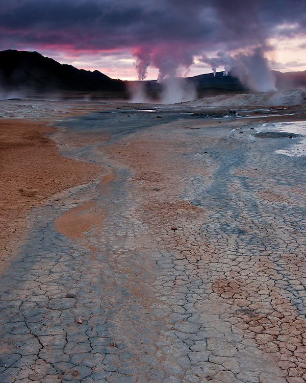 The otherwordly landscape of Hverarond plain is dominated by fumaroles and mudpots