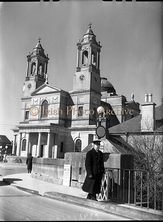 02/04/1958<br /> 04/02/1958<br /> 04 February 1958<br /> <br /> Views of Birr Castle & Observatory Ruins