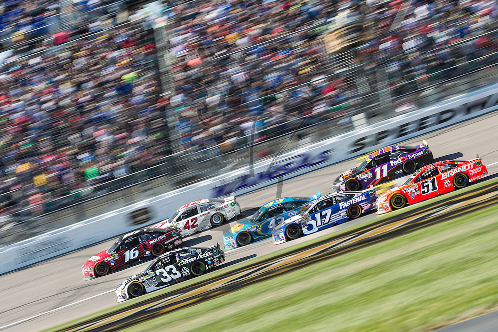Kansas City, KS - Oct 18, 2015:  The NASCAR Sprint Cup Series teams take to the track for the Hollywood Casino 400 at Kansas Speedway in Kansas City, KS.