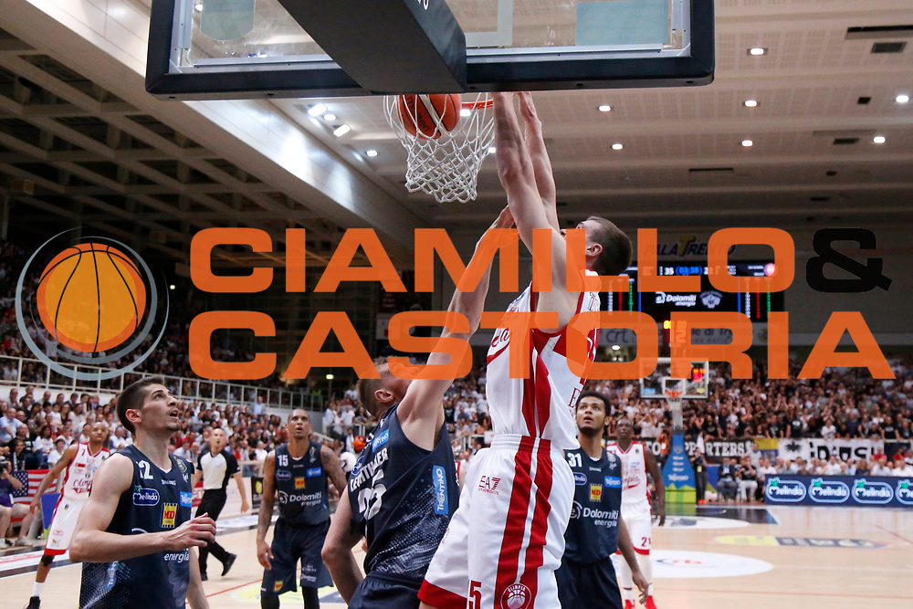 Kaleb Tarczewski<br /> Dolomiti Energia Aquila Basket Trento - EA7 Emporio Armani Olimpia Milano<br /> Semifinale Gara 4, Lega Basket Serie A 2016/2017<br /> PalaTrento 31/05/2017<br /> Foto Ciamillo-Castoria / M.Brondi