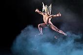 Cloud Gate Dance Theatre_Nine Songs_2014