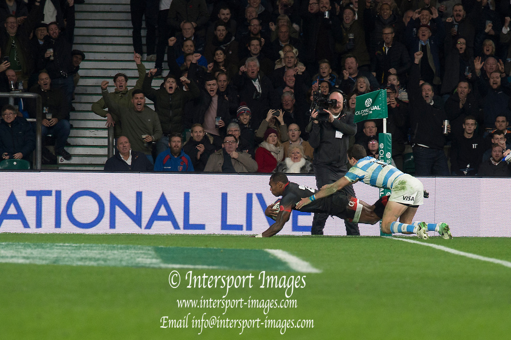 Twickenham, Surrey United Kingdom. Semesa ROKODUGUNI, touches down, during the England vs Argentina. Autumn International, Old Mutual Wealth series. RFU. Twickenham Stadium, England. <br /> <br /> Saturday  11.11.17.    <br /> <br /> [Mandatory Credit Peter SPURRIER/Intersport Images]