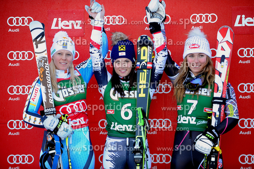 28.12.2013, Hochstein, Lienz, AUT, FIS Weltcup Ski Alpin, Lienz, Riesentorlauf, Damen, 2. Durchgang, im Bild Podium: vl nr zweite Jessica Lindell-Vikarby (SWE), Siegerin Anna Fenninger (AUT), dritte Mikaela Shiffrin (USA) // Podium: vl nr zweite Jessica Lindell-Vikarby (SWE), Siegerin Anna Fenninger (AUT), dritte Mikaela Shiffrin (USA) during the 2nd run of ladies giant slalom Lienz FIS Ski Alpine World Cup at Hochstein in Lienz, Austria on 2013/12/28. EXPA Pictures © 2013, PhotoCredit: EXPA/ Erich Spiess