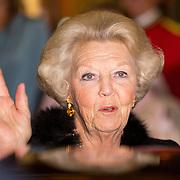 NLD/Amsterdam/20150926 - Afsluiting viering 200 jaar Koninkrijk der Nederlanden, vertrek Beatrix