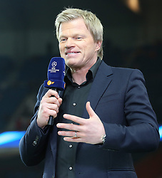 12.03.2014, Parc des Princes, Paris, FRA, UEFA CL, Paris Saint Germain vs Bayer 04 Leverkusen, Achtelfinale, Rueckspiel, im Bild Oliver Kahn (ZDF Experte) mit Mikrofon // during the UEFA Champions League Round of 16, 2nd Leg match between Paris Saint Germain and Bayer 04 Leverkusen at the Parc des Princes in Paris, France on 2014/03/12. EXPA Pictures © 2014, PhotoCredit: EXPA/ Eibner-Pressefoto/ Schueler<br /> <br /> *****ATTENTION - OUT of GER*****
