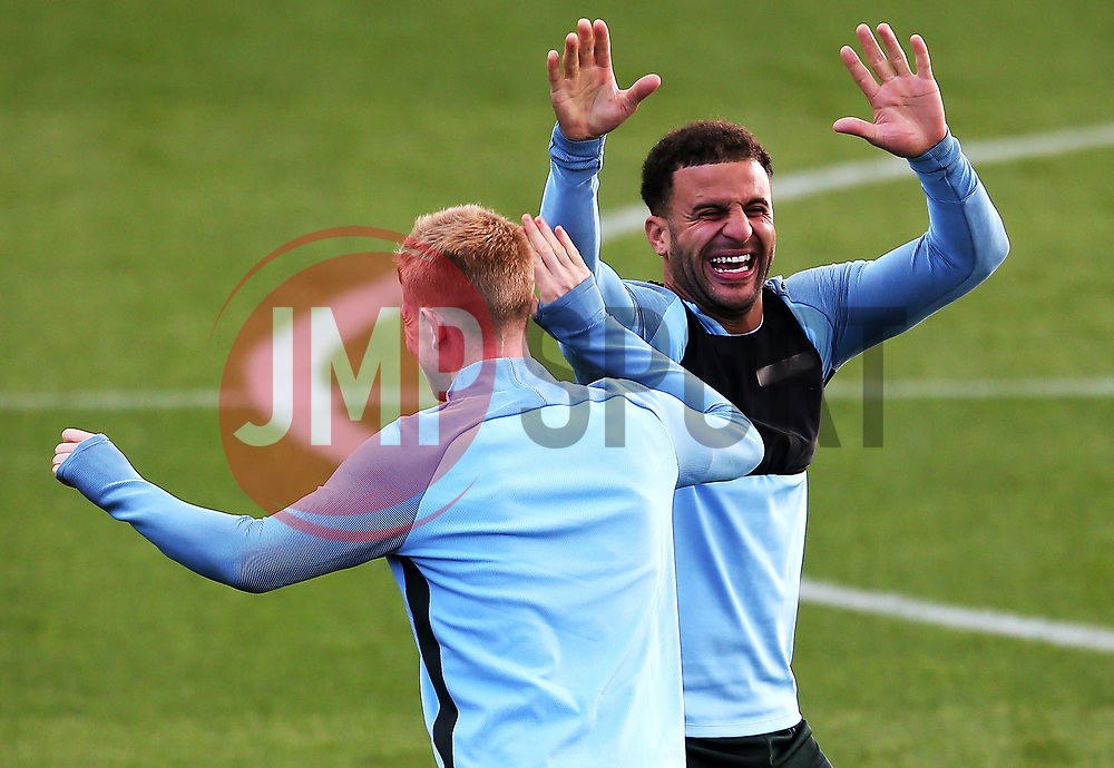 Kevin de Bruyne and Kyle Walker of Manchester City share a joke during training - Mandatory by-line: Matt McNulty/JMP - 12/09/2017 - FOOTBALL - City Football Academy - Manchester, England - Feyenoord v Manchester City - Training Session - UEFA Champions League - Group F