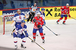 17.04.2016, Dom Sportova, Zagreb, CRO, IIHF WM, Kroatien vs England, Division I, Gruppe B, im Bild Ben Bowns, David Phillips, Michael Glumac. // during the 2016 IIHF Ice Hockey World Championship, Division I, Group B, match between Croatia vs England at the Dom Sportova in Zagreb, Croatia on 2016/04/17. EXPA Pictures © 2016, PhotoCredit: EXPA/ Pixsell/ Dalibor Urukalovic<br /> <br /> *****ATTENTION - for AUT, SLO, SUI, SWE, ITA, FRA only*****