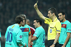 23.11.2011, Giuseppe Meazza Stadion, Mailand, ITA, UEFA CL, Gruppe H, AC Mailand (ITA) vs FC Barcelona (ESP), im Bild Ammonizione Lionel Messi Barcellona Referee Stark // during the football match of UEFA Champions league, group H, between Gruppe H, AC Mailand (ITA) and FC Barcelona (ESP) at Giuseppe Meazza Stadium, Milan, Italy on 2011/11/23. EXPA Pictures © 2011, PhotoCredit: EXPA/ Insidefoto/ Paolo Nucci..***** ATTENTION - for AUT, SLO, CRO, SRB, SUI and SWE only *****