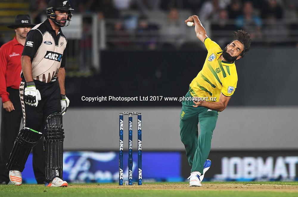 Imran Tahir bowling. International Twenty20 Cricket. New Zealand Black Caps v South Africa, Eden Park, Auckland, New Zealand. Friday 17 February 2017 © Copyright photo: Andrew Cornaga / www.photosport.nz