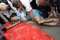 Sykkel<br /> Tour de France 2004<br /> 09.07.2004<br /> Foto: PhotoNews/Digitalsport<br /> <br /> ETAPE 06 / RIT 5  BONNEVAL / ANGERS<br /> <br /> Rene Haselbacher (Gerolsteiner) valpartij - dokter Porte<br /> chute / val