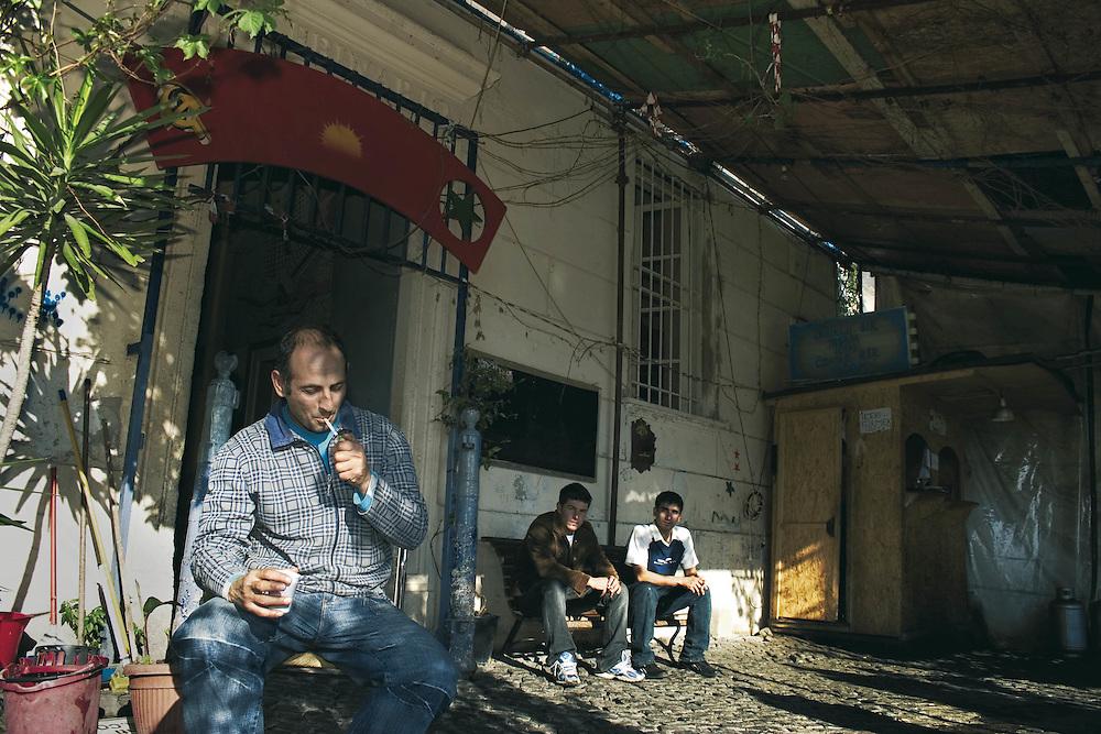 Rifugiato Kurdo vive nel centro sociale di prima accoglienza Ararat a Roma.<br /> Nel suo paese Mustala era un contadino.