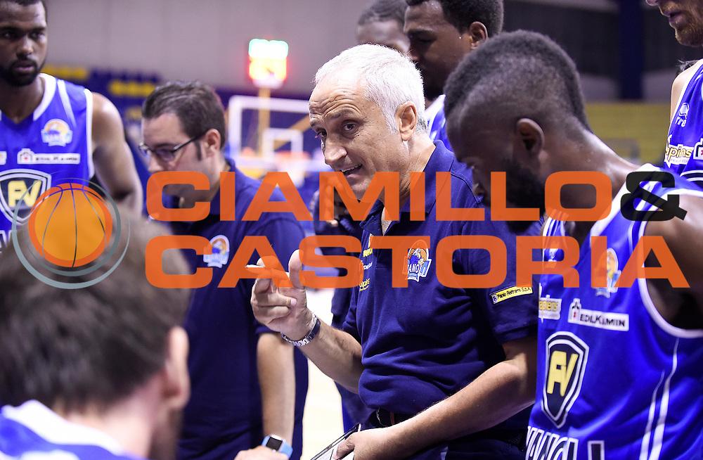 DESCRIZIONE : Porto San Giorgio PreCampionato Lega A 2015-16 Vanoli Cremona Banvit Basketbol GIOCATORE : Cesare Pancotto<br /> CATEGORIA : Coach Direttive Mani TimeOut FairPlay<br /> SQUADRA : Vanoli Cremona<br /> EVENTO :  PreCampionato Lega A 2015-16<br /> GARA : Vanoli Cremona Banvit Basketbol <br /> DATA : 04/09/2015<br /> SPORT : Pallacanestro <br /> AUTORE : Agenzia Ciamillo-Castoria/A.Giberti<br /> Galleria :  Campionato Lega A 2015-16  <br /> Fotonotizia :  Vanoli Cremona Banvit Basketbol <br /> Predefinita :