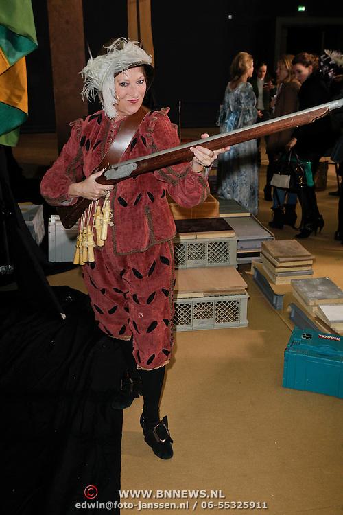 NLD/Amsterdam/20120209 - Bn' ers gefotografeerd als de Nachtwacht voor het Goed Geld Gala 2012, Loes Luca