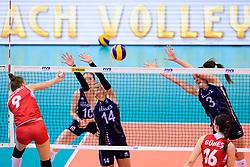 12.06.2018, Porsche Arena, Stuttgart<br /> Volleyball, Volleyball Nations League, Türkei / Tuerkei vs. Niederlande<br /> <br /> Angriff Meliha Ismailoglu (#9 TUR) - Block / Doppelblock Laura Dijkema (#14 NED), Yvon Belien (#3 NED)<br /> <br /> Foto: Conny Kurth / www.kurth-media.de