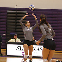Volleyball: St. Thomas vs. Augsburg<br /> Augsburg 3, St. Thomas 2Volleyball: St. Thomas vs. Augsburg<br /> Augsburg 3, St. Thomas 2