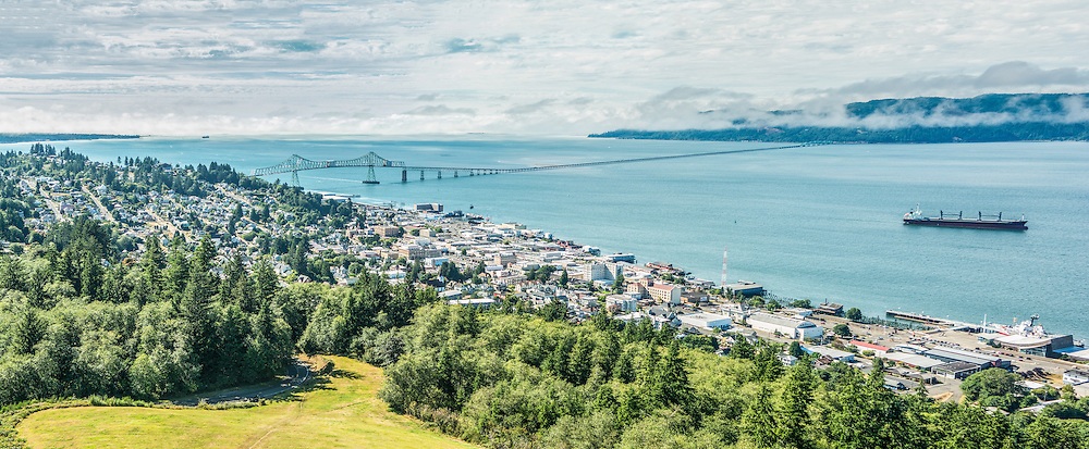 Astoria town & the Columbia River, Oregon, USA