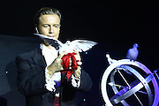 Mannheim. 05.11.15 Radio Regenbogen Harald Wohlfahrt Palazzo.<br /> Zauberer Jay Niemi<br /> <br /> Bild: Markus Prosswitz 05NOV15 / masterpress (Bild ist honorarpflichtig - No Model Release!)