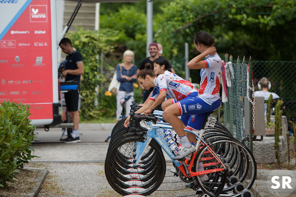 FDJ warms up ahead of Stage 1 of the Giro Rosa - a 11.5 km team time trial, between Aquileia and Grado on June 30, 2017, in Friuli-Venezia Giulia, Italy. (Photo by Sean Robinson/Velofocus.com)