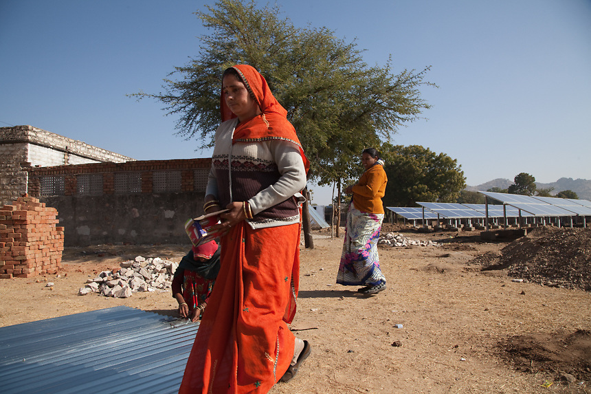 Women from Rajasthan villages, preparing material for new solar panel. For the solar electrification of villages, Barefoot College annually trains about 100 grandmothers from India and 80 grandmothers from international rural villages located in the least developed countries. 01/2013 © Marida Augusto/Max Hirzel