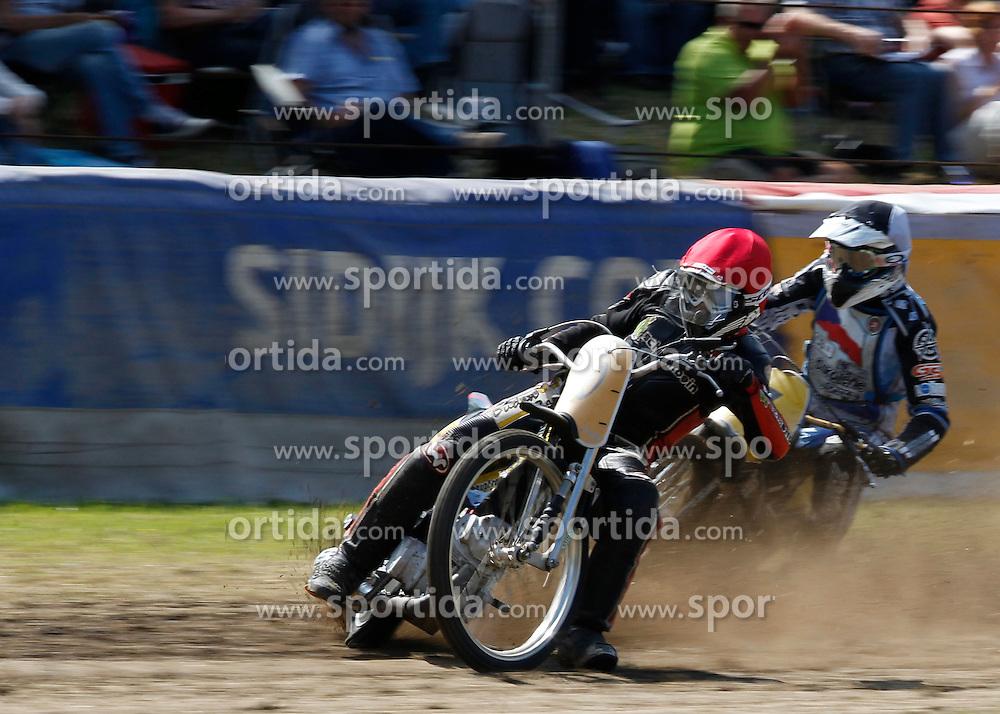 07.06.2015, Leineweberring, Bielefeld, GER, ADAC Motorrad Grasbahnrennen EM, Semifinale 2, im Bild 20 Tom Lamek/D, 1 Richard Wolff/CZ, Speed, Kurve. Drift, Zweikampf // during the second Semifinal of ADAC Motorcycle GRASSTRACK European Championship at the Leineweberring in Bielefeld, Germany on 2015/06/07. EXPA Pictures © 2015, PhotoCredit: EXPA/ Eibner-Pressefoto/ Stiefel<br /> <br /> *****ATTENTION - OUT of GER*****