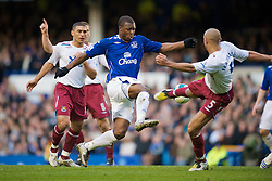LIVERPOOL, ENGLAND - Saturday, March 22, 2008: Everton's Yakubu Ayegbeni and West Ham United's Anton Ferdinand during the Premiership match at Goodison Park. (Photo by David Rawcliffe/Propaganda)
