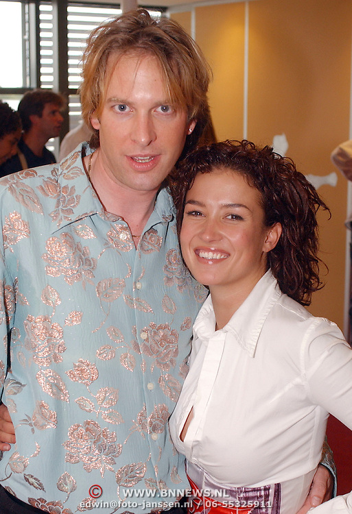 BNN winterpresentatie 2002, Adam Curry en Katja Schuurman