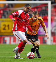 Photo: Leigh Quinnell/Sportsbeat Images.<br /> Charlton Athletic v Hull City. Coca Cola Championship. 22/12/2007. Hulls Andrew Dawson keeps an eye on Charltons Jerome Thomas.
