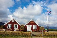 Islande, peninsule de Snaefellsnes, ferme traditionnelle a Hellnar // Iceland, Snaefellsnes peninsula, traditional farm at Hellnar