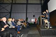 Nederland, Borne, 9-12-2016Minister van Economische Zaken Henk Kamp op werkbezoek bij het bedrijf Dutch-Shape.Foto: Flip Franssen