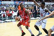 DESCRIZIONE : Caserta campionato serie A 2013/14 Pasta Reggia Caserta EA7 Olimpia Milano<br /> GIOCATORE : Keith Langford<br /> CATEGORIA : palleggio<br /> SQUADRA : EA7 Olimpia Milano<br /> EVENTO : Campionato serie A 2013/14<br /> GARA : Pasta Reggia Caserta EA7 Olimpia Milano<br /> DATA : 27/10/2013<br /> SPORT : Pallacanestro <br /> AUTORE : Agenzia Ciamillo-Castoria/GiulioCiamillo<br /> Galleria : Lega Basket A 2013-2014  <br /> Fotonotizia : Caserta campionato serie A 2013/14 Pasta Reggia Caserta EA7 Olimpia Milano<br /> Predefinita :