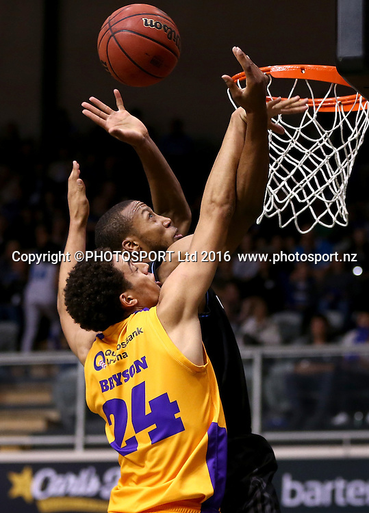 Breakers` Akil Mitchell is challenged by Kings` Michael Bryson in the Round 3 ANBL Basketball Match, New Zealand Breakers v Sydney Kings, North Shore Events Centre, Auckland, New Zealand, Thursday, October 20, 2016. Copyright photo: David Rowland / www.photosport.nz