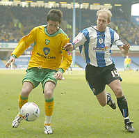 Photo: Aidan Ellis.<br /> Sheffield Wednesday v Norwich City. Coca Cola Championship. 15/04/2006.<br /> Norwich's Ian Henderson and Sheffield's John Hills