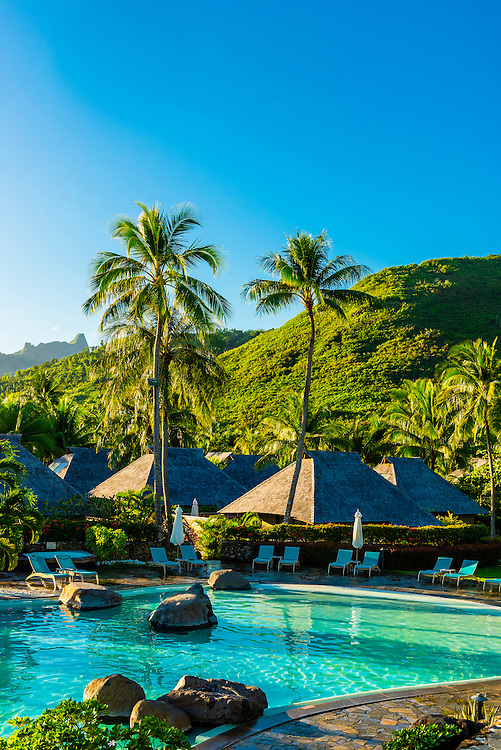 Swimming pool, Hilton Moorea Lagoon Resort, island of Moorea, French Polynesia.
