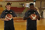 DESCRIZIONE : Roma Lega Basket A 2012-13  Raduno Virtus Roma<br /> GIOCATORE : Jordan Taylor Olek Czyz<br /> CATEGORIA : ritratto curiosita<br /> SQUADRA : Virtus Roma <br /> EVENTO : Campionato Lega A 2012-2013 <br /> GARA :  Raduno Virtus Roma<br /> DATA : 23/08/2012<br /> SPORT : Pallacanestro  <br /> AUTORE : Agenzia Ciamillo-Castoria/M.Simoni<br /> Galleria : Lega Basket A 2012-2013  <br /> Fotonotizia : Roma Lega Basket A 2012-13  Raduno Virtus Roma<br /> Predefinita :