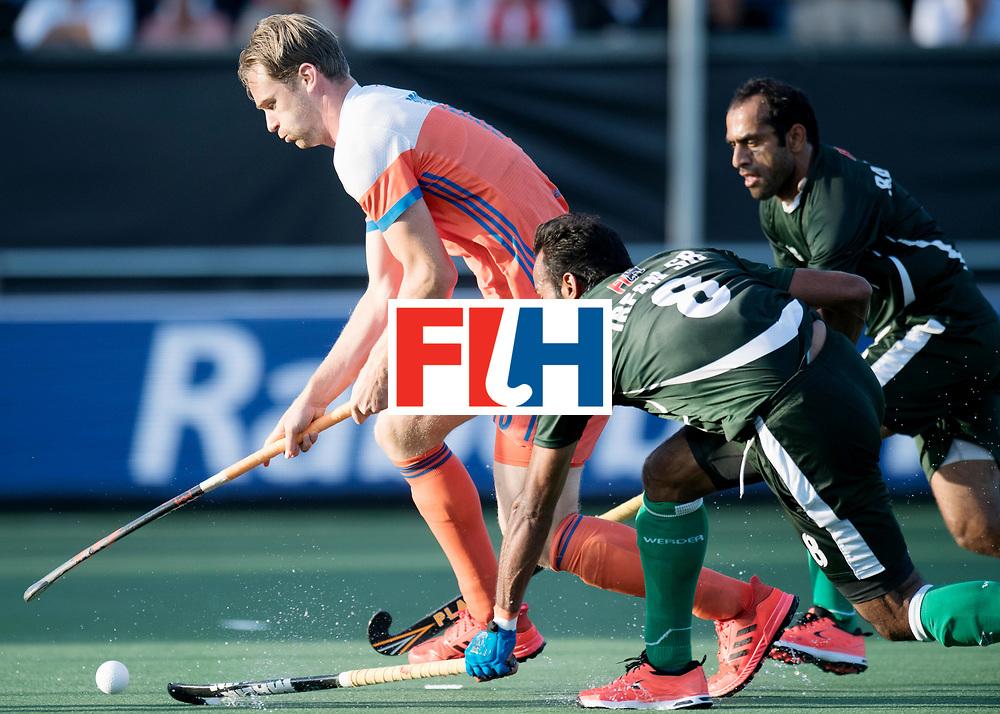 BREDA - Rabobank Hockey Champions Trophy<br /> The Netherlands - Pakistan<br /> Photo: Mirco Pruyser.<br /> COPYRIGHT WORLDSPORTPICS FRANK UIJLENBROEK