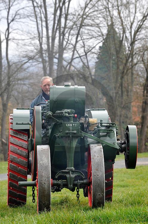 15/11/08 - AMBERT - PUY DE DOME - FRANCE - Tracteur MOGUL 10-20 HP de 1914. Collection Musee AGRIVAP - Photo Jerome CHABANNE