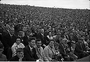 04/09/1960<br /> 09/04/1960<br /> 4 September 1960 <br /> All-Ireland Final: Tipperary v Wexford at Croke Park, Dublin.<br /> The crowd watching the match between Tipperary and Wexford.